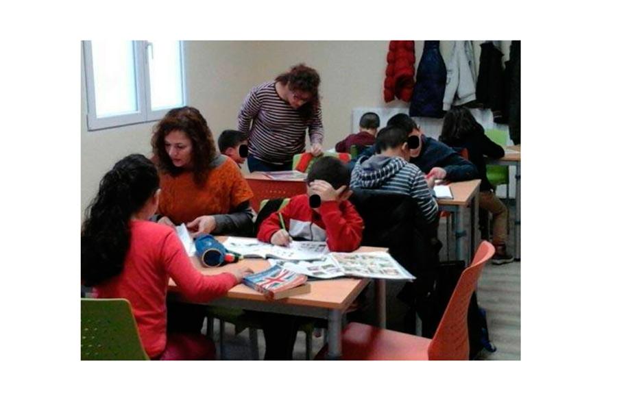 Alrededor de 80 menores y jóvenes siguen recibiendo el apoyo de Cáritas
