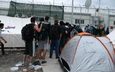 Cáritas pide seguridad y solidaridad para los inmigrantes afectados por el incendio de Moria