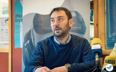 Roberto Casado, de Cáritas Aranda, explica la Jornada por el Trabajo Decente